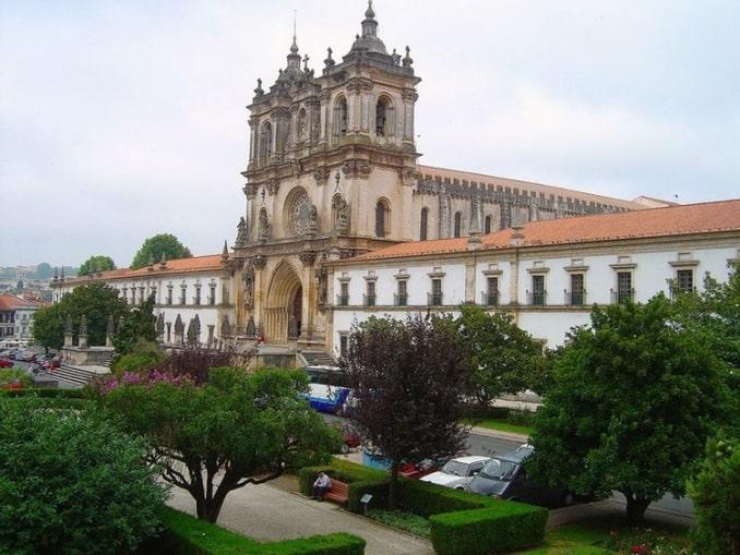 Монастырь Алкобаса, Португалия