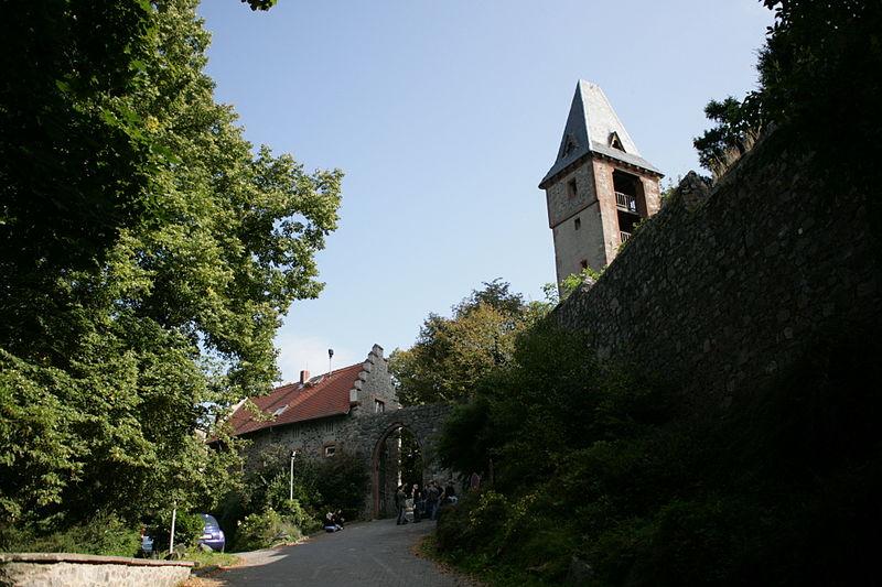 Замок Франкенштейн снаружи