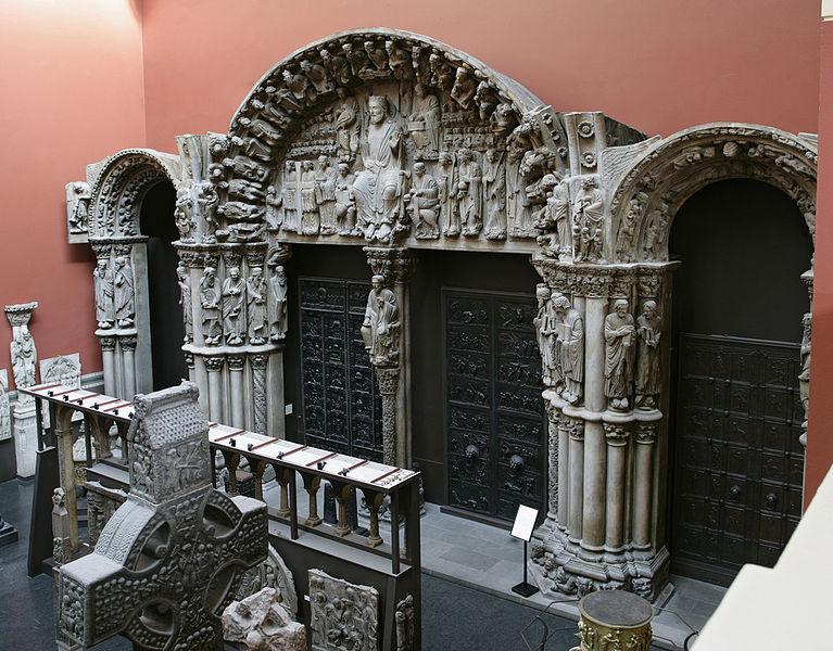 Портик собора Святого Иакова, реплика