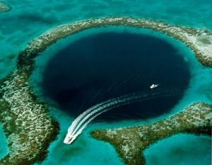 "Мезоамериканский риф, ""Голубая дыра"""