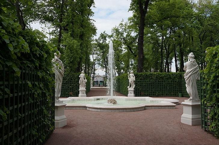 Летний сад, фонтан, фото Евгений Со / Wikimedia Commons