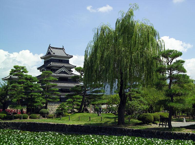 Сады замка Мацумото