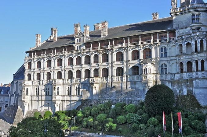 Замок Блуа, вид снаружи