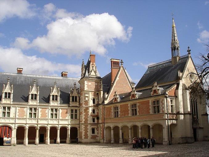 Замок Блуа, готика