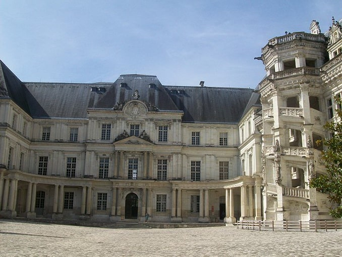 Замок Блуа, крыло Гастона Орлеанского