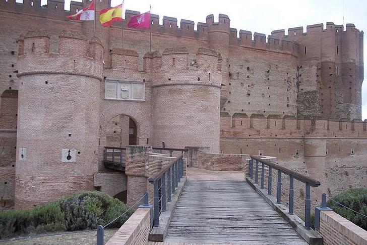 Замок Ла Мота, мост