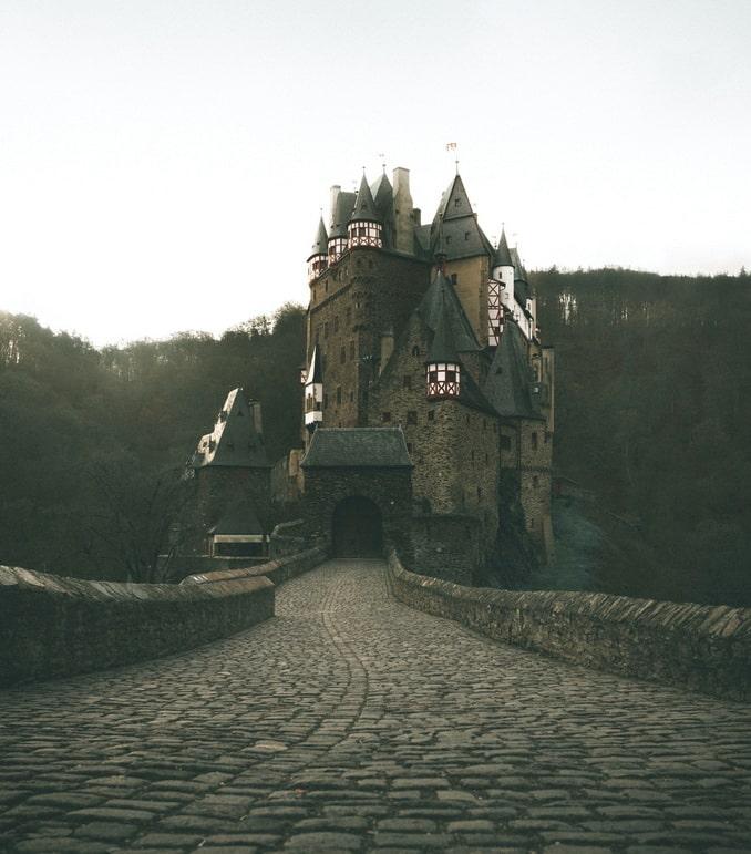 Замок Эльц - ожившая история
