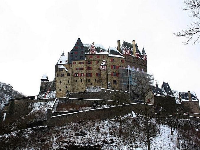 Замок Эльц зимой
