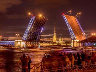 Мосты нужно обязательно посмотреть в Санкт-Петербурге