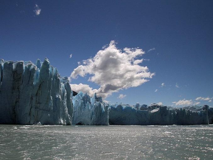 Ледник Перито-Морено с озера Архентино