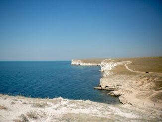 Тарханкут в Крыму стоит посетить, если отдыхаешь в Евпатории