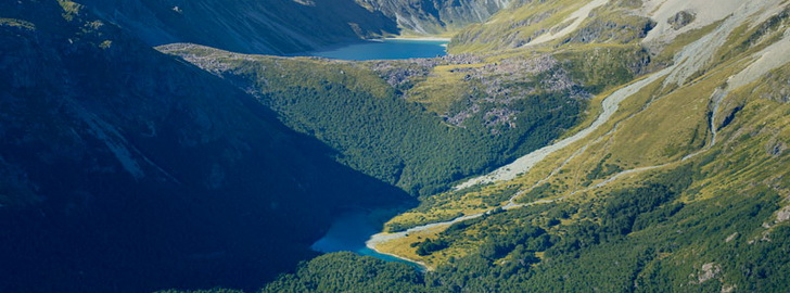 Голубое озеро в Новой Зеландии