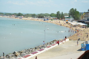 Анапский пляж, май 2015, фото Tswet2012 / Wikimedia Commons