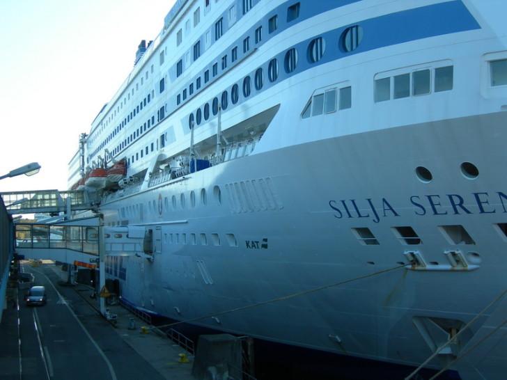 Паром Силья-Серенада в порту Стокгольма