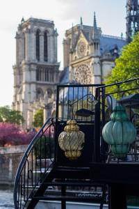 Париж: Нотр-Дам и фонари