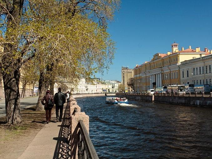 Река Фонтанка в Санкт-Петербурге весной
