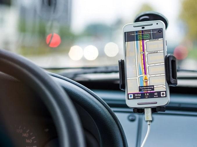 Навигатор в машине в Европе