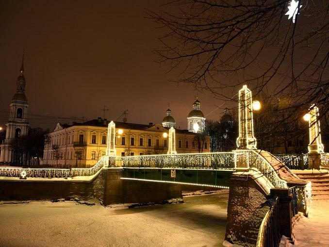 Зимой в Питере не разводят мосты