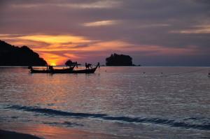 Пляж Най Янг, закат