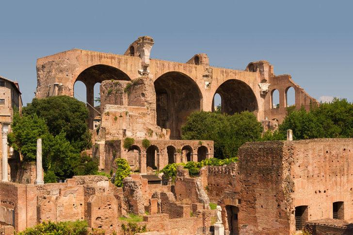 Базилика Максенция и Константина, Римский форум