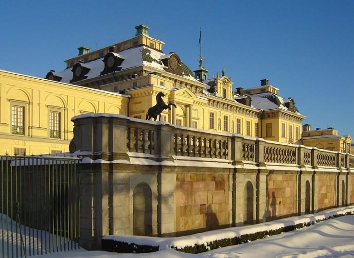 Дворец Дроттнингхольм, Швеция