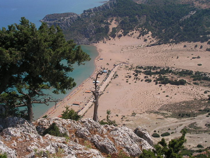 Пляж Тсамбика, Родос
