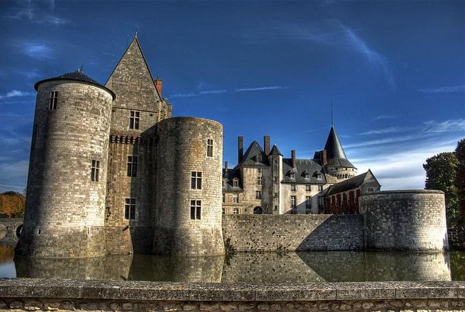Замок Сюлли, Франция
