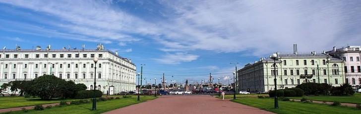 Митинг против передачи Исаакия церкви прошел в Санкт-Петербурге