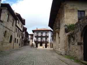 Деревня Сантильяна-дель-Мар, фото Verazaverucha