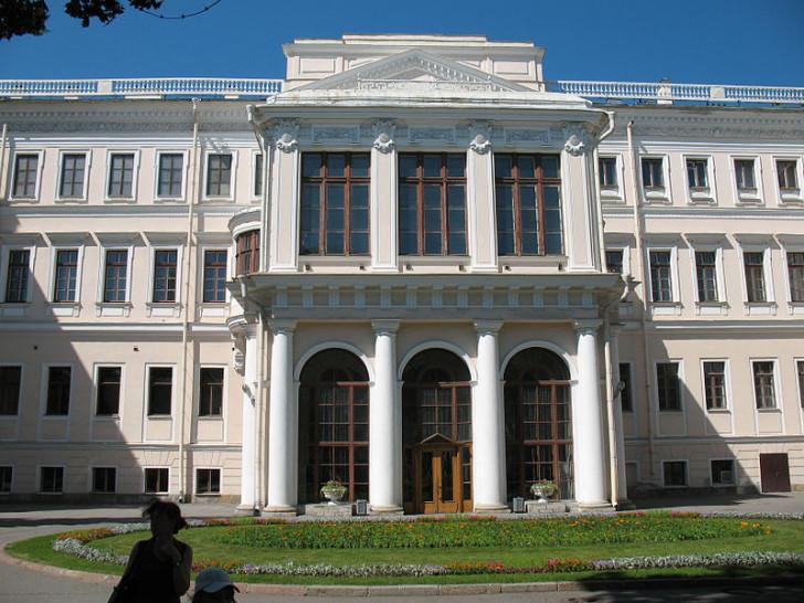 Аничков дворец, фото Александр Гирёв / Wikimedia Commons