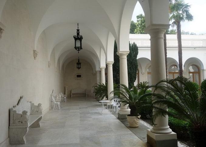 Итальянский дворик в Ливадийском дворце в Крыму