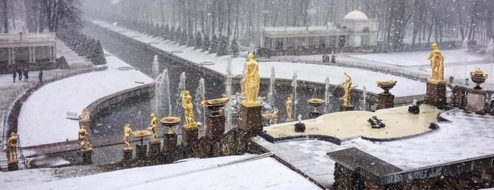 Фонтаны Петергофа запущены в морозы, Фонтаны Петергофа запущены в морозы, фото @Kuznecova_TA