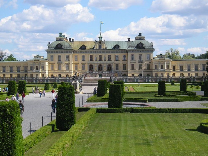 Дворец Дроттнингхольм - резиденция шведской королевской семьи