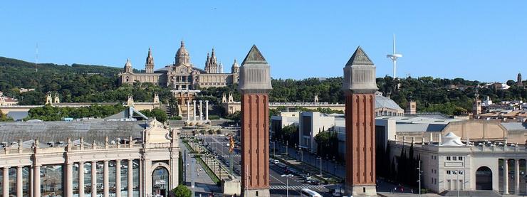 Вид на Монжуик с площади Испании
