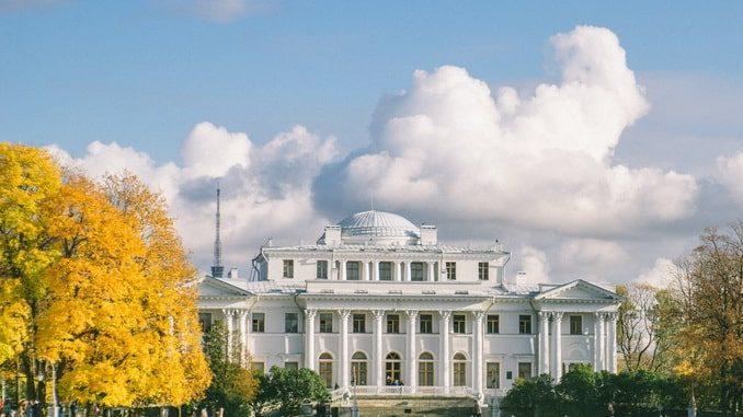 Елагин дворец осенью, Санкт-Петербург