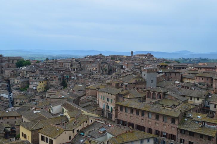 Вид на Сиену с Торре-дель-Манджа