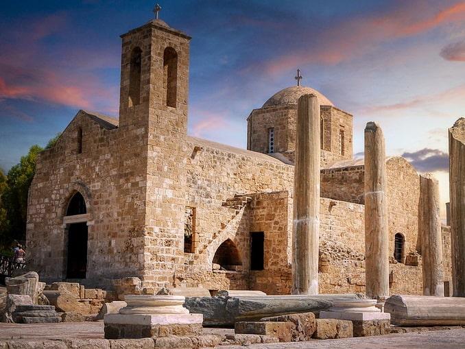 Церковь Айя-Кирияки обязательно следует увидеть на Кипре