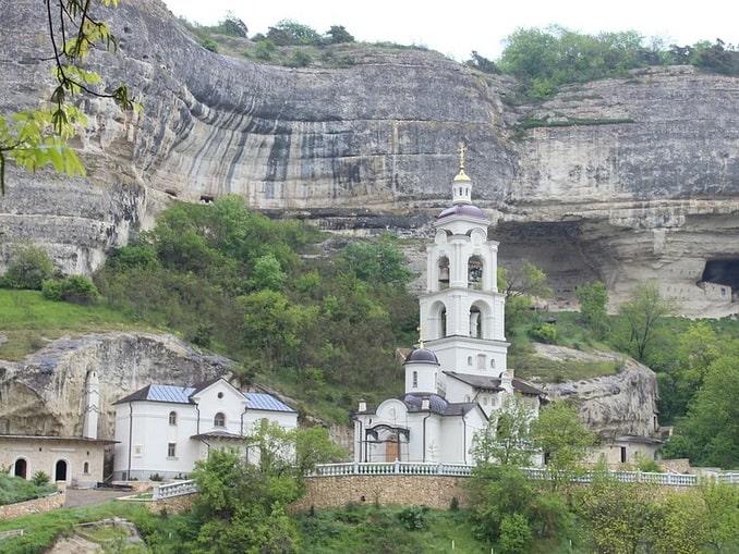 Успенский монастырь и Чуфут-Кале в Крыму