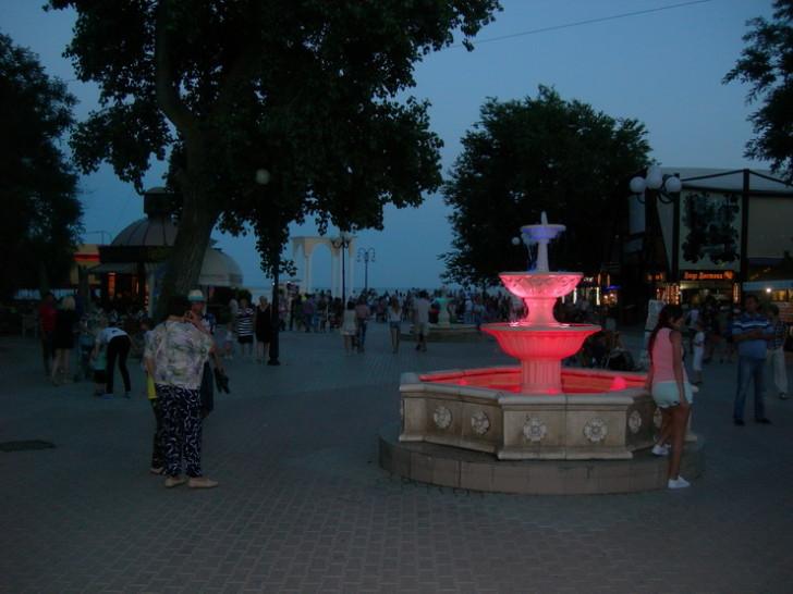 Пешеходная улица в Евпатории