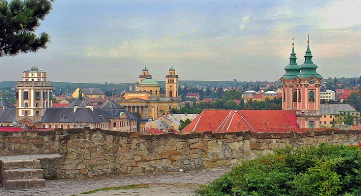 Вид на Эгер со стен крепости