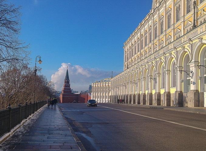 Большой Кремлевский дворец и Оружейная палата в Москве