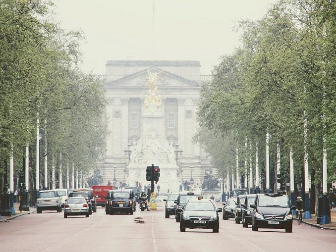 Правостороннее движение - английская традиция