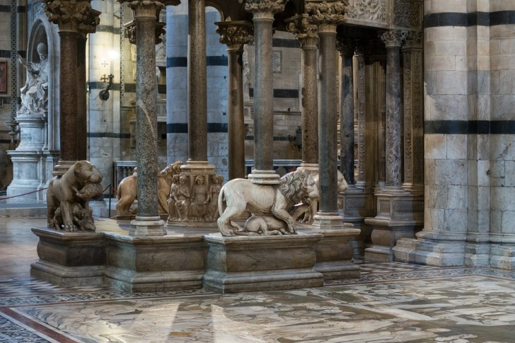 Кафедра Сиенского собора