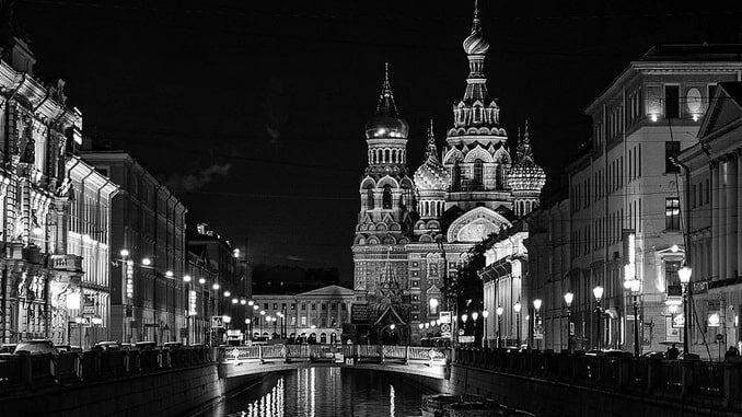 Санкт-Петербург - что посетить по карте гостя