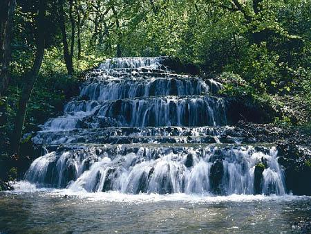 """Водопад """"Вуаль"""" в национальном парке Бюкк"""