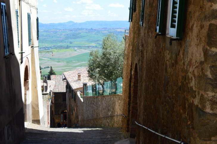 Монтальчино, Италия