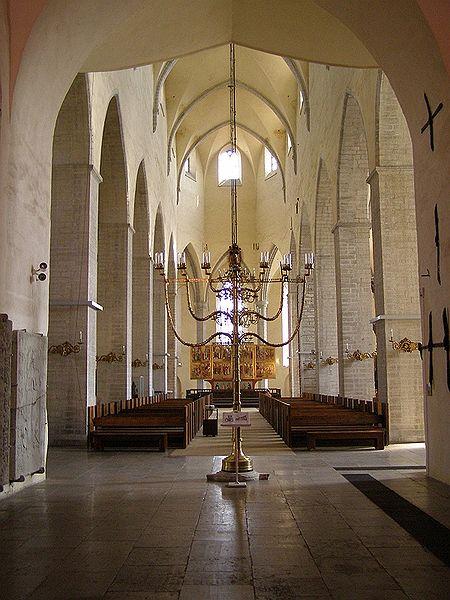 Внутри Нигулисте: главный проход, фото Sander Säde