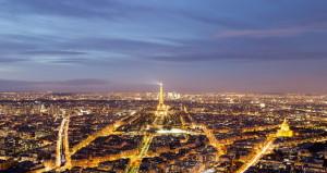Эйфелева башня и ночной Париж