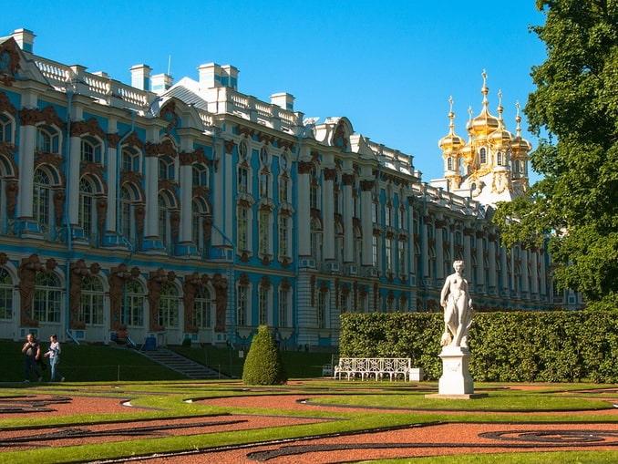 Большой Екатерининский дворец - вместилище Янтарной комнаты
