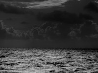 Гроза на море